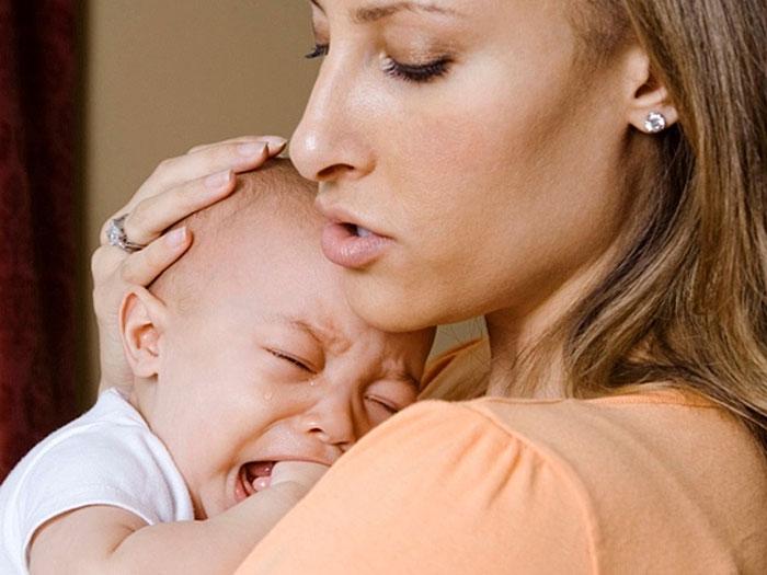 причины детского плача, почему ребенок плачет