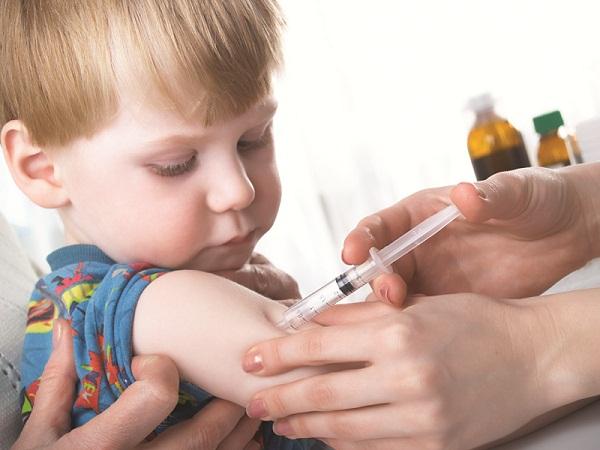 прививки детям, прививки осложнения