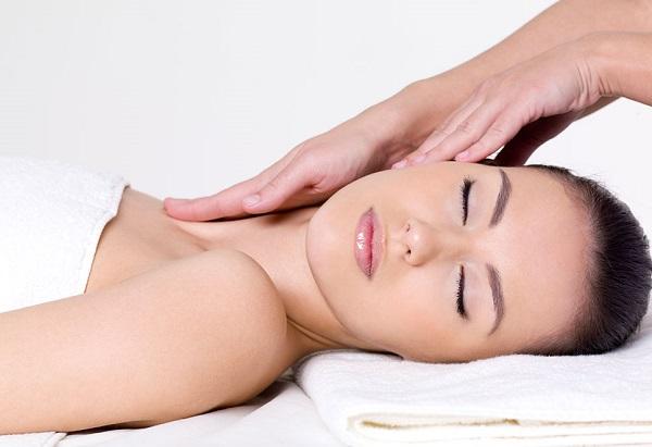массаж шеи, массаж декольте, омолаживающий массаж