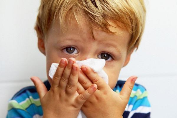 почему сопли бывают зеленые, насморк у детей