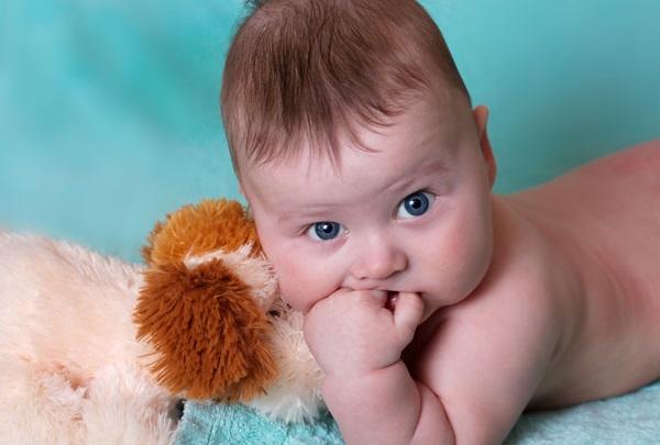 прорезывание зубов и прививки, как подготовить ребенка к прививкам,зубы и прививки